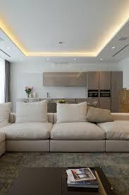 indirekte beleuchtung wohnzimmer decke abgehängte decke mit indirekter beleuchtung lichtvouten selber