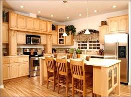 kitchen color ideas with maple cabinets kitchen colors with maple cabinets bloomingcactus me
