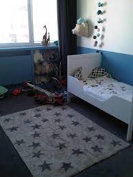 tapis chambre enfant chambre d enfant la touche finale de maman le d une