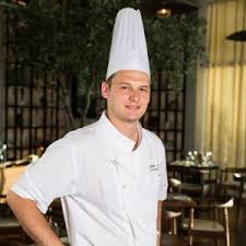 sous chef de cuisine chef annabi returns to le royal méridien abu dhabi