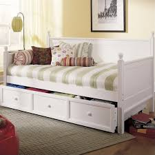 What Is A Trundle Bed Daybed Mattress Buying Guide Daybed Mattresses From Cymax