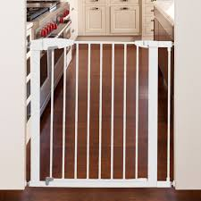 Child Gate Stairs by Munchkin Easy Close Metal Gate 29 5