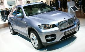 bmw x6 reviews bmw x6 price photos and specs car and driver