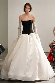 Vintage Style For Unique Wedding Dresses Interclodesigns The Journey Of Vera Wang Wedding Dresses Interclodesigns Prom