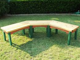 Build Wood Outdoor Furniture by How To Build A Semi Circular Wooden Bench How Tos Diy