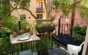 Outdoor Patio Privacy Ideas by Link Spanish Apartment Patio Privacy Fence Style Home Ueueue