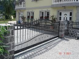 vrtne ograje postavimo jo lahko tudi sami