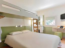 chambre aix en provence cheap hotel meyreuil ibis budget aix en provence est le canet