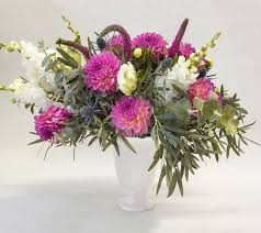 flower delivery services best 25 flower delivery ideas on peonies flower