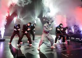 when halloween horror nights 2015 i love las vegas magazine blog dance crew jabbawockeez perform