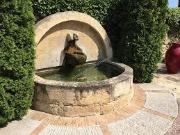 fontaine en pierre naturelle fontaine murale en pierre de fontvieille réalisations taille de