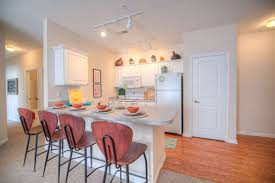 3 bed 3 bath student apartment near ou summit at coates run