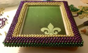 mardi gras table runner s diy projects diy mardi gras picture frame