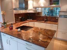 plaque granit cuisine plaque de marbre cuisine cuisine en plaqu bois en marbre en inox