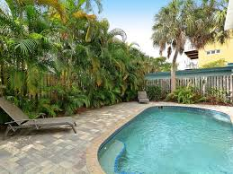 Beachside Townhomes Southern Vacation Rentals Beachwalk Siesta Key Beach 3br Townhouse Homeaway Siesta Key