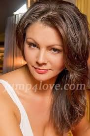 hairstyles suitable for 42 year old woman girl years old with brown eyes and dark brown hair super