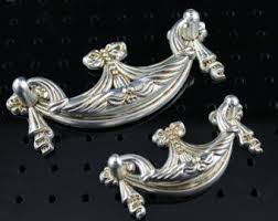 Shabby Chic Drawer Pulls by 101 Best Door Knobs Drawer Pulls Images On Pinterest Door Knobs