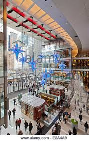Christmas Decorations For Shopping Centers by Christmas Decorations At The Time Warner Center At Columbus Circle