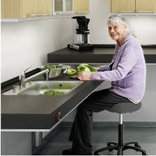 cuisine pour handicapé unités de levage indivo pour cuisine à hauteur réglable pressalit