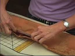 how to make table runner at home how to make a table runner how to use stitch witchery for making a