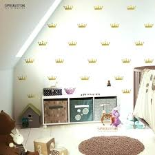 stickers deco chambre stickers deco chambre fille couronne motif stickers muraux