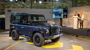land rover defender 2010 new land rover defender is getting a u0027polarising u0027 design
