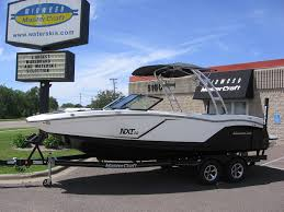 2016 mastercraft nxt22 black white 1 jpg