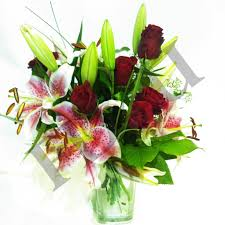 cheap flowers free delivery best 25 flowers delivered uk ideas on flowers