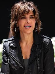 lisa rinnas hairdresser lisa rinna steps out displaying unattractive toenails as she films
