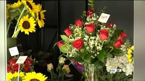 ordering flowers buyer beware when ordering s day flowers online