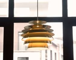 how to use a hickey fitting when hanging a chandelier
