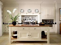 freestanding kitchen islands best 25 freestanding kitchen ideas on free standing