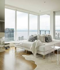 a look inside yolanda foster u0027s downsized la apartment condos