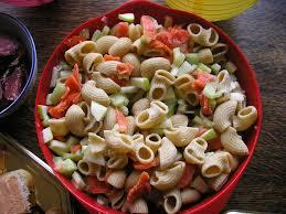 cuisiner pates salade de pâtes concombre saumon et pommes recette