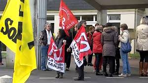 bureau de poste st jean lô mobilisation contre la fermeture d un bureau de poste