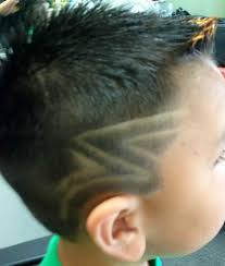 boys haircut with designs haircut designs for males mayamokacomm