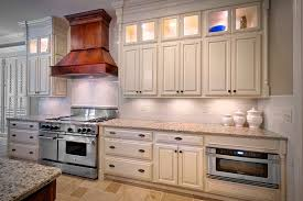 repeindre cuisine chene cuisine repeindre cuisine chene avec orange couleur repeindre