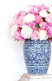 Arranging Roses In Vase Er Arranging Fresh Flowers Small Vase How To Keep Rose In 26787