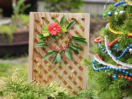 Home And Garden Christmas Decorating Ideas by Diy Christmas Decor For The Miniature Garden The Mini Garden
