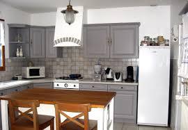 cuisine repeinte en gris cuisine repeinte en gris collection avec repeindre bois newsindo
