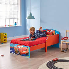 chambre enfant cars lit enfant cars chambre bureau mobilier gifi