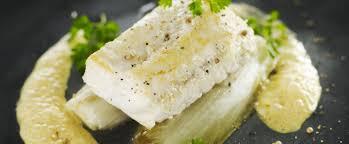 cuisiner filet de merlan recette de poisson le pavé de merlan poêlé endives et jus à l orange