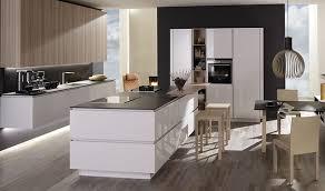 hochglanz küche voll im trend hochglanz küche plana küchenland