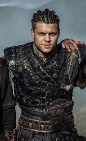what hairstyle ragnar lothbrok best 25 ragnar lothbrok actor ideas on pinterest ragnar