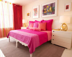 modern stripped wall bedroom ideas for women that can be decor