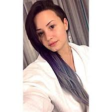 hairstyles for selfies demi lovato no makeup selfies popsugar latina