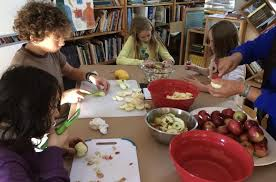 school bakes pies for community thanksgiving dinner penbay