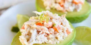 avocat cuisine avocat farci à la salade de crevettes et crabe roxanne cuisine