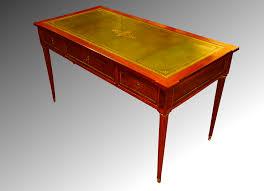 bureau en cuir bureau plat en acajou de cuba cuir vert réhaussé d or fin