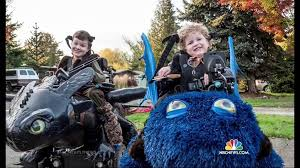Halloween Connection Costumes Dad Creates Awesome Halloween Costumes Kids